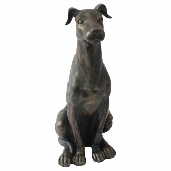 soška sedícího psa - Doggie